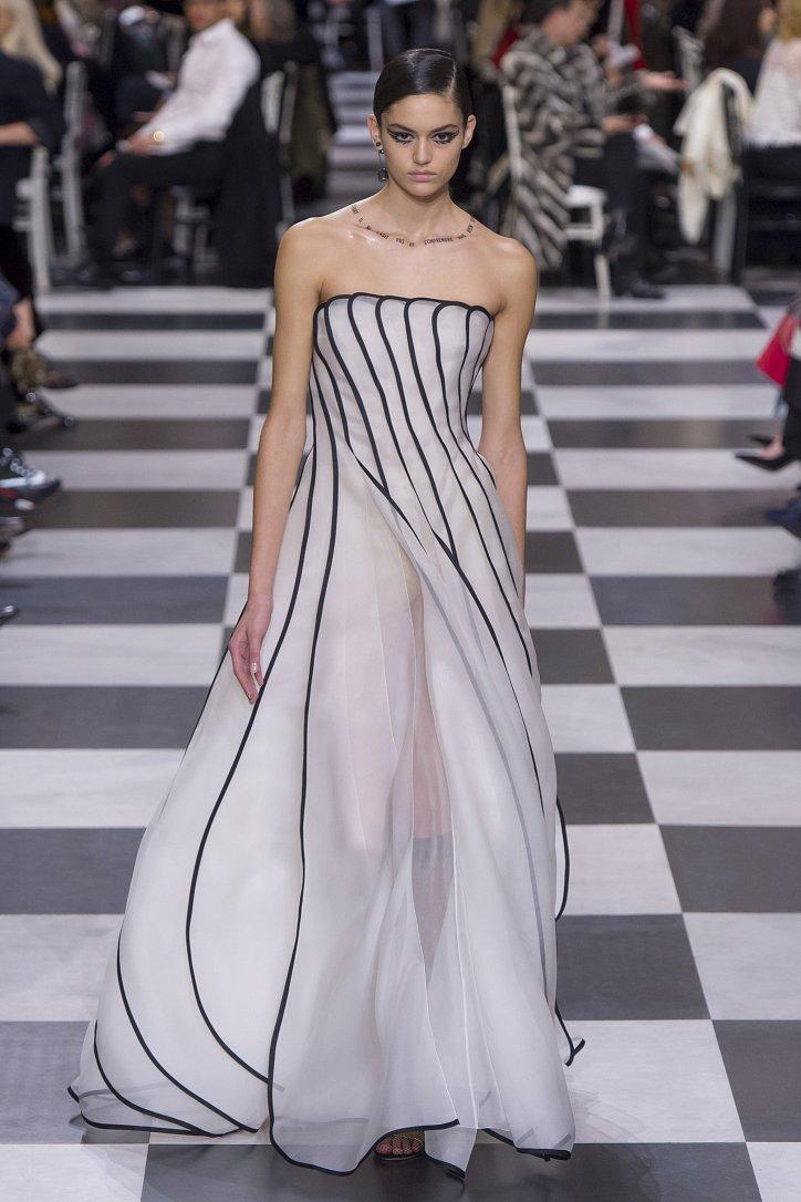 Christian Dior Haute Couture весна-лето 2018 фото №17