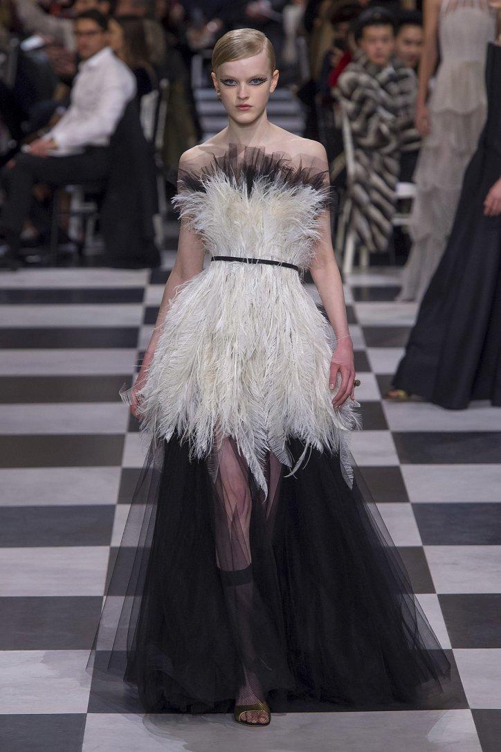 Christian Dior Haute Couture весна-лето 2018 фото №23