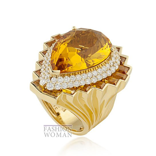 Дебютная коллекция ювелирных украшений Versace   фото №1