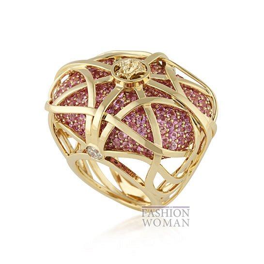 Дебютная коллекция ювелирных украшений Versace   фото №2