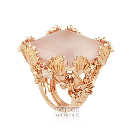 Дебютная коллекция ювелирных украшений Versace   фото №3