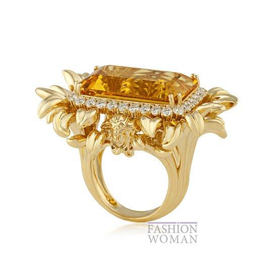 Дебютная коллекция ювелирных украшений Versace   фото №5