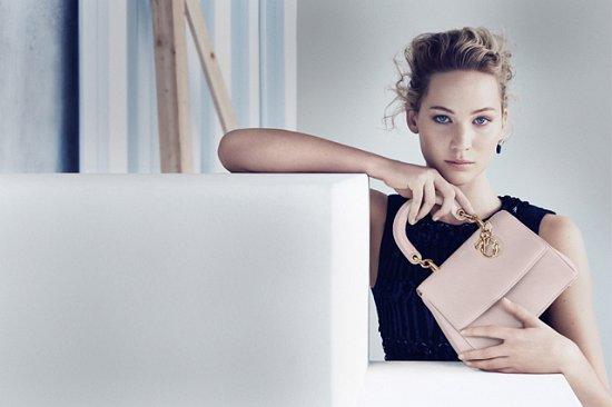 Дженнифер Лоуренс в рекламной кампании сумок Be Dior весна 2015 фото №1