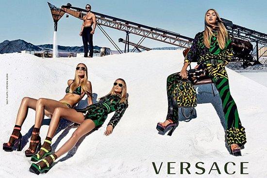 Джиджи Хадид в рекламе Versace весна 2016 фото №1
