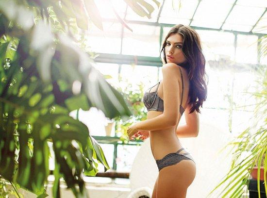 Эмили Ратажковски в рекламе нижнего белья Yamamay весна-лето 2015 фото №2