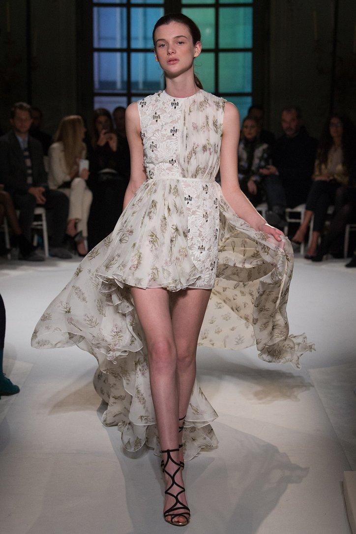 Giambattista Valli Haute Couture весна 2017 фото №17
