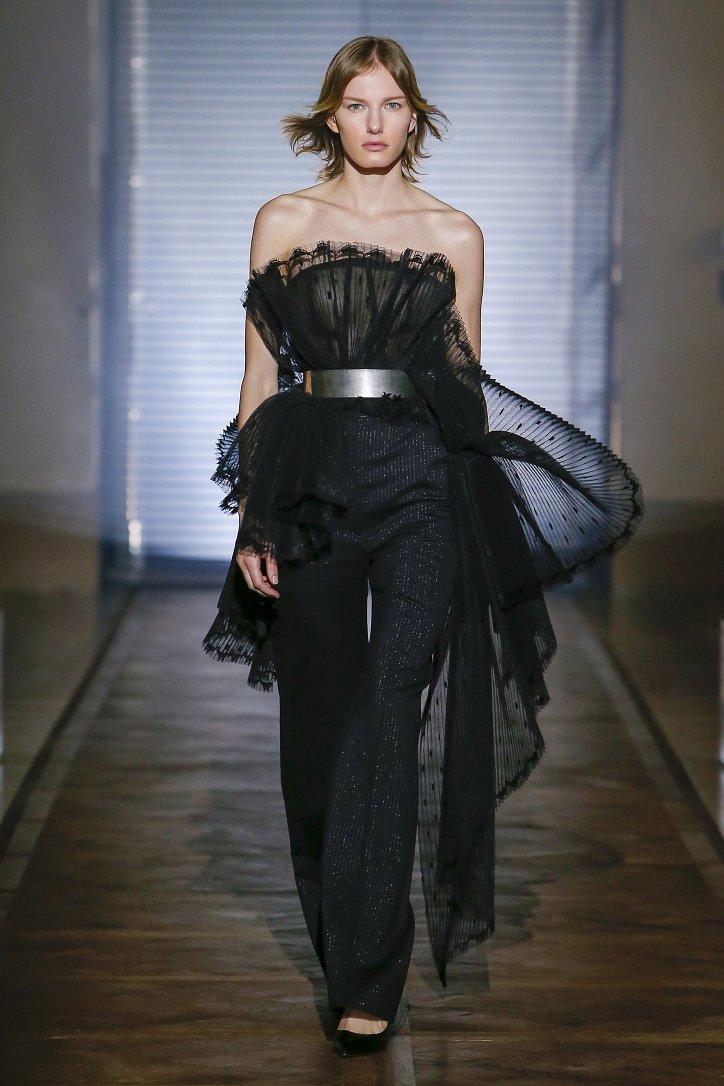 Givenchy Haute Couture весна-лето 2018 фото №10