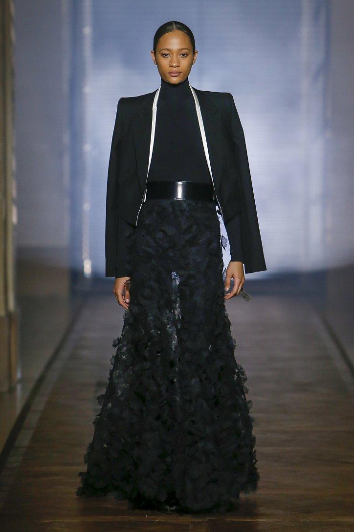 Givenchy Haute Couture весна-лето 2018 фото №17