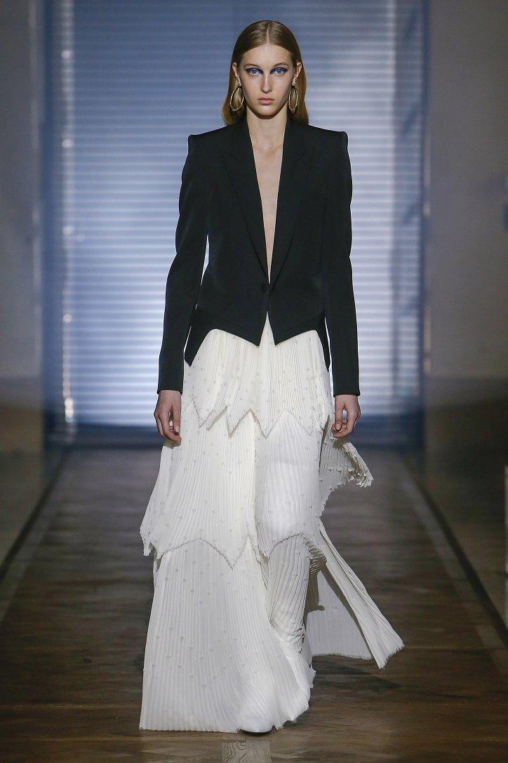 Givenchy Haute Couture весна-лето 2018 фото №29