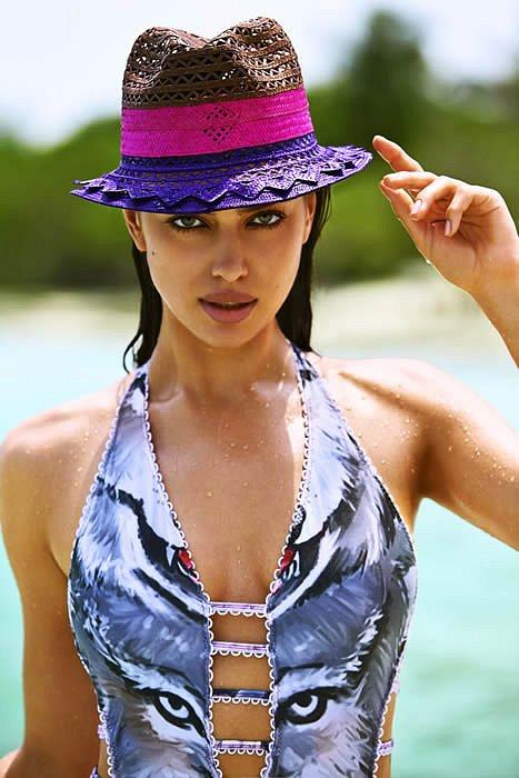 Ирина Шейк в лукбуке купальников Agua Bendita 2015  фото №23