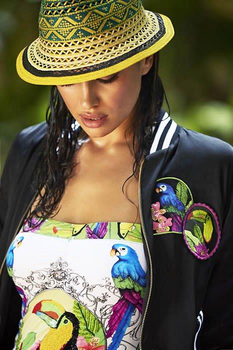 Ирина Шейк в лукбуке купальников Agua Bendita 2015  фото №27