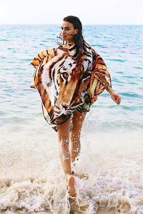 Ирина Шейк в лукбуке купальников Agua Bendita 2015  фото №32