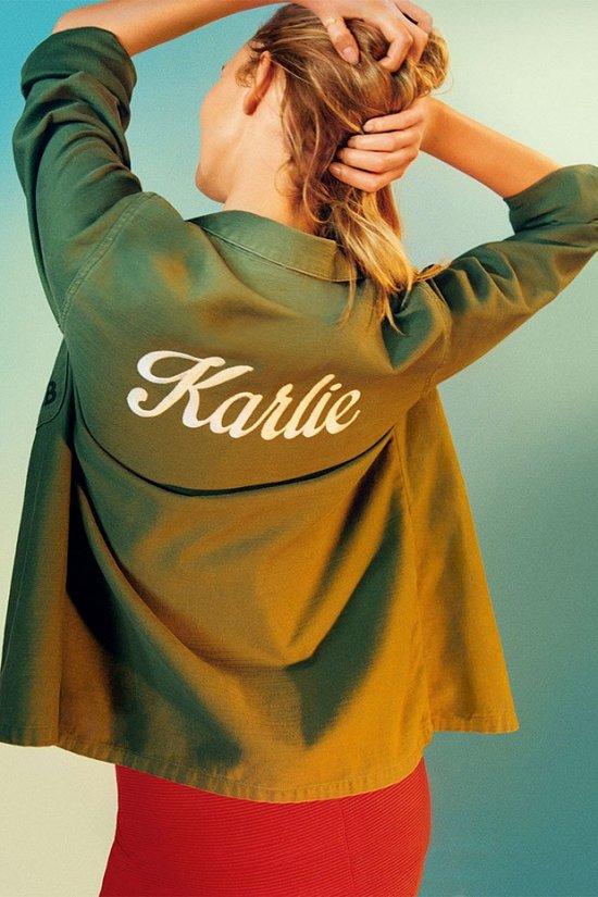 Карли Клосс в лукбуке Topshop весна-лето 2016 фото №9