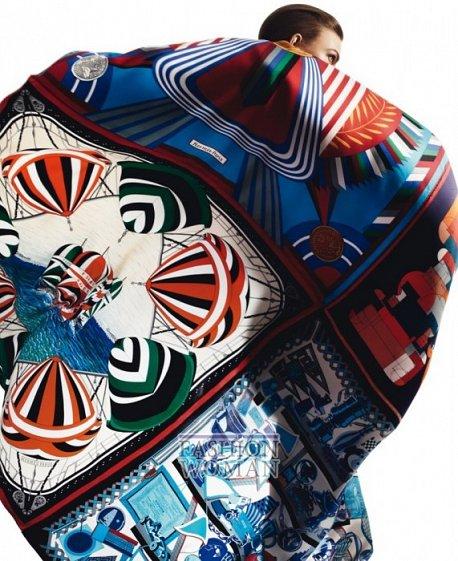 Карли Клосс в рекламной кампании платков Hermès фото №2