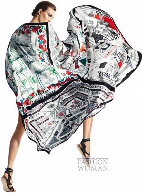 Карли Клосс в рекламной кампании платков Hermès фото №11
