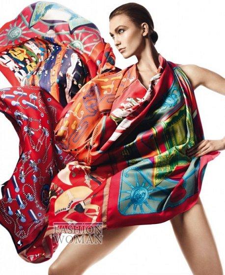 Карли Клосс в рекламной кампании платков Hermès фото №12