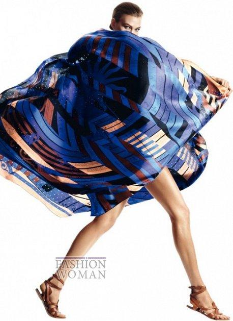 Карли Клосс в рекламной кампании платков Hermès фото №5