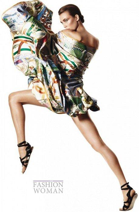 Карли Клосс в рекламной кампании платков Hermès фото №6