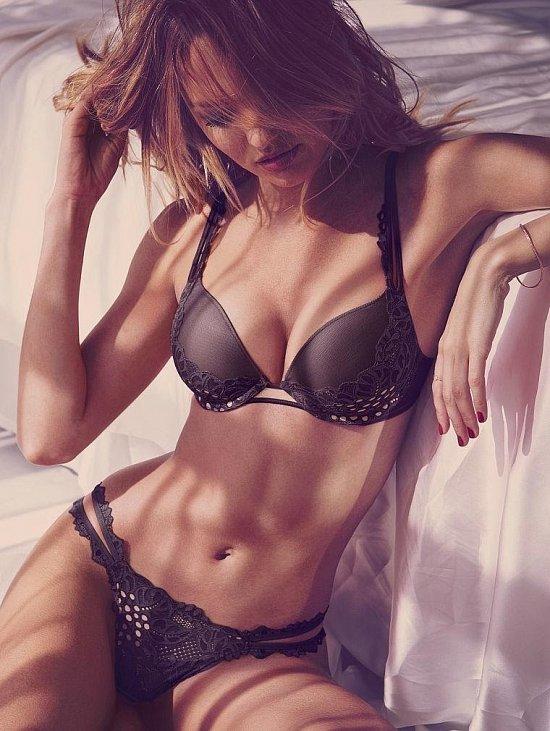 Кэндис Свейнпол в лукбуке Victoria's Secret Valentine's Day 2015 фото №2