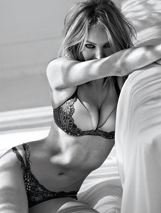 Кэндис Свейнпол в лукбуке Victoria's Secret Valentine's Day 2015 фото №10