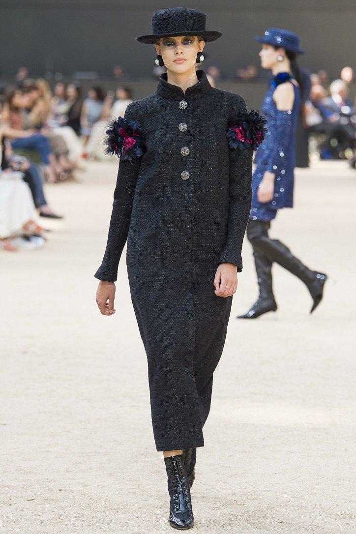 Коллекция Chanel Haute Couture осень-зима 2017-2018 фото №39