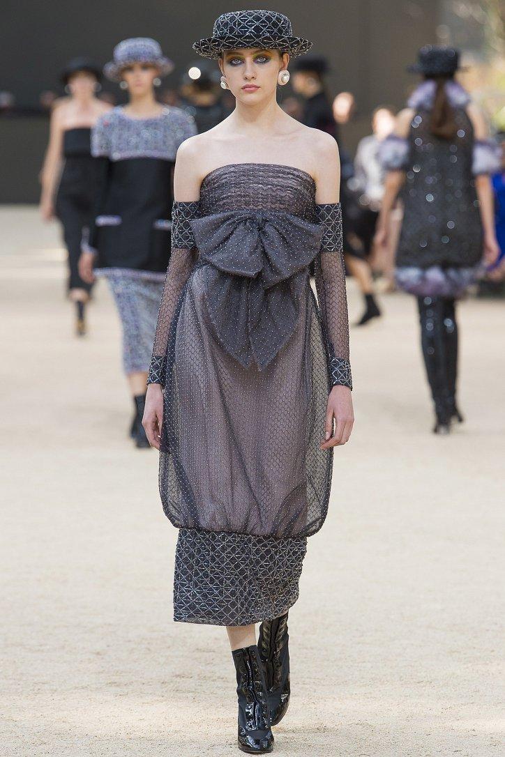 Коллекция Chanel Haute Couture осень-зима 2017-2018 фото №45