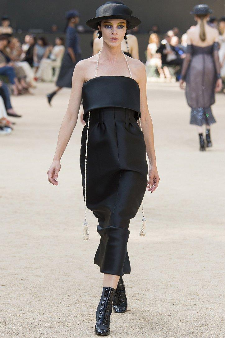 Коллекция Chanel Haute Couture осень-зима 2017-2018 фото №47