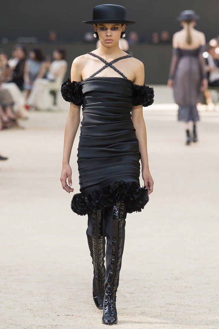 Коллекция Chanel Haute Couture осень-зима 2017-2018 фото №49