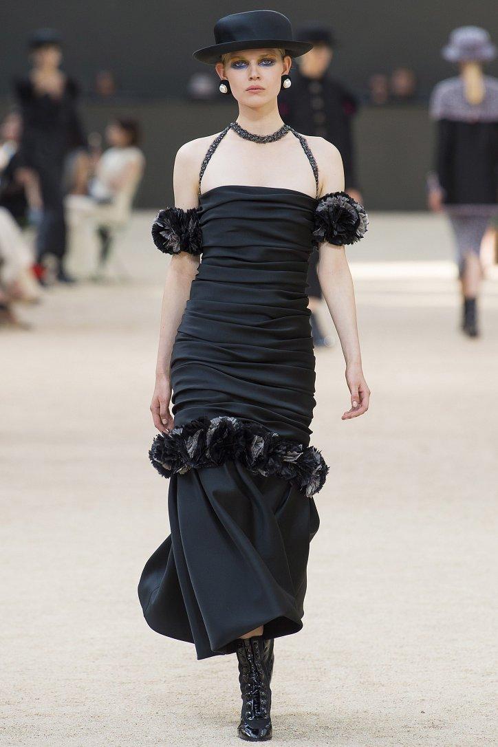 Коллекция Chanel Haute Couture осень-зима 2017-2018 фото №50
