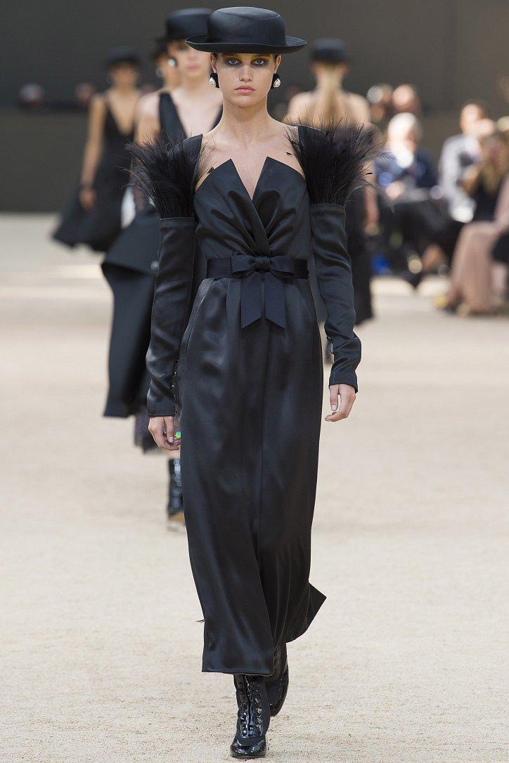 Коллекция Chanel Haute Couture осень-зима 2017-2018 фото №51