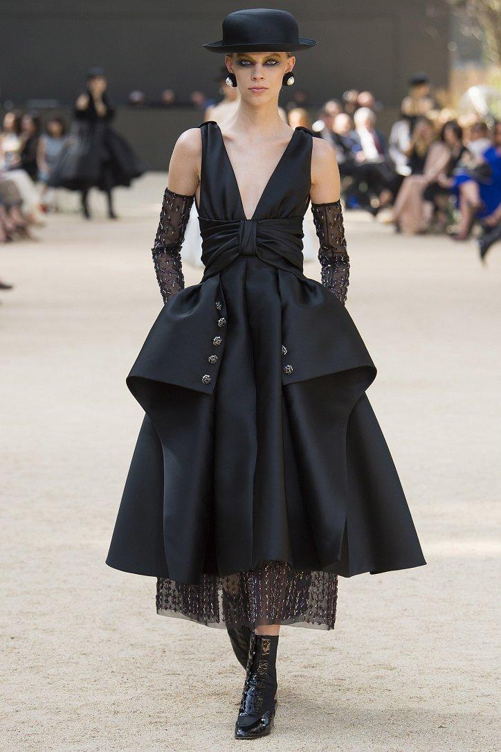 Коллекция Chanel Haute Couture осень-зима 2017-2018 фото №52