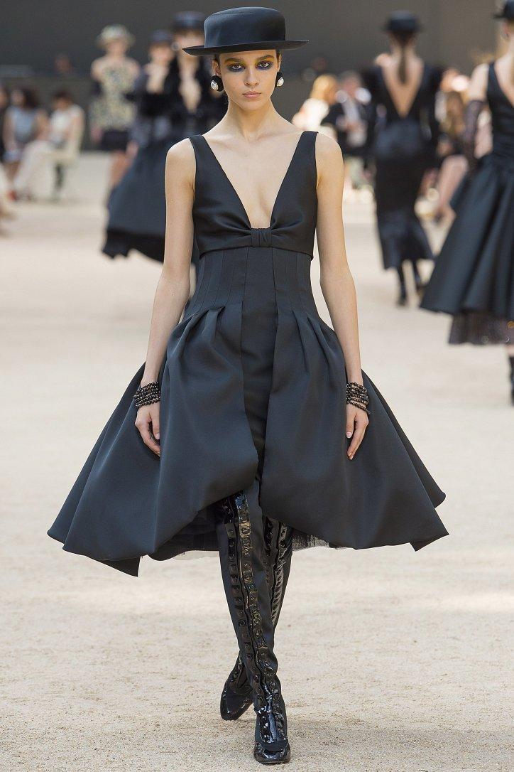 Коллекция Chanel Haute Couture осень-зима 2017-2018 фото №54