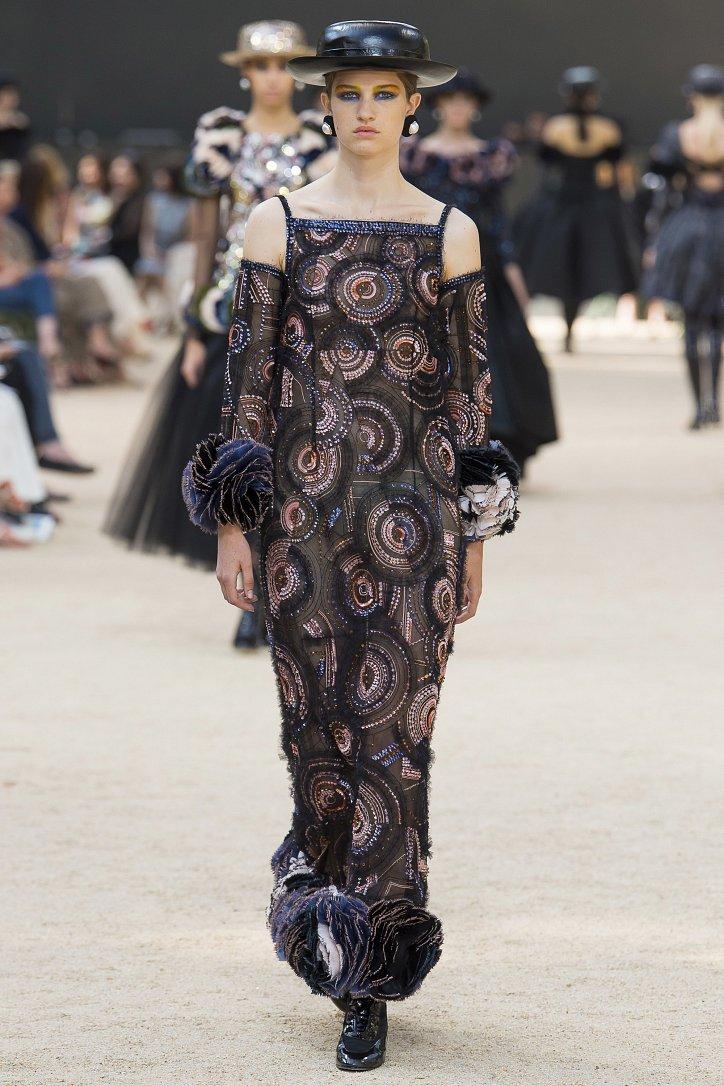 Коллекция Chanel Haute Couture осень-зима 2017-2018 фото №59