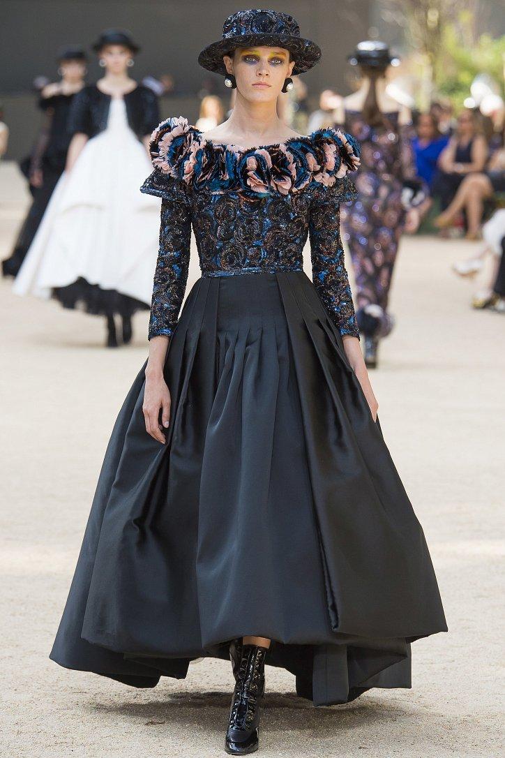 Коллекция Chanel Haute Couture осень-зима 2017-2018 фото №61