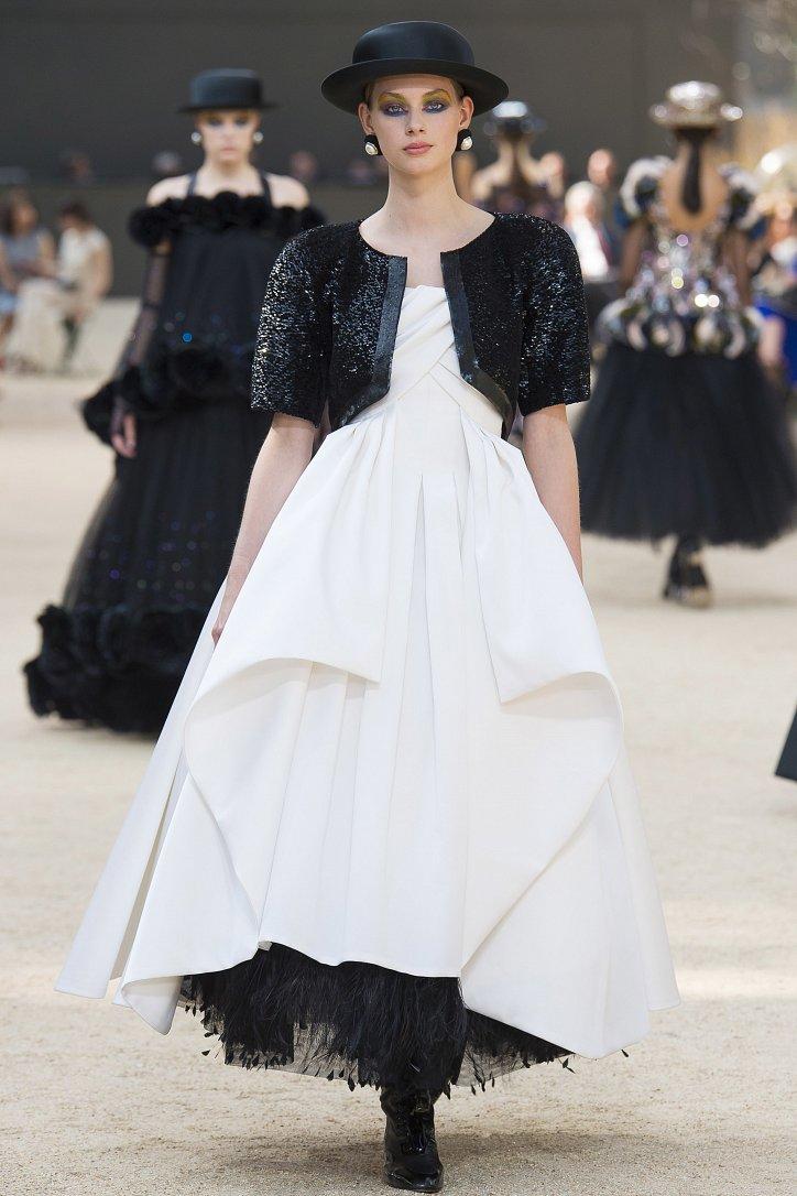 Коллекция Chanel Haute Couture осень-зима 2017-2018 фото №62