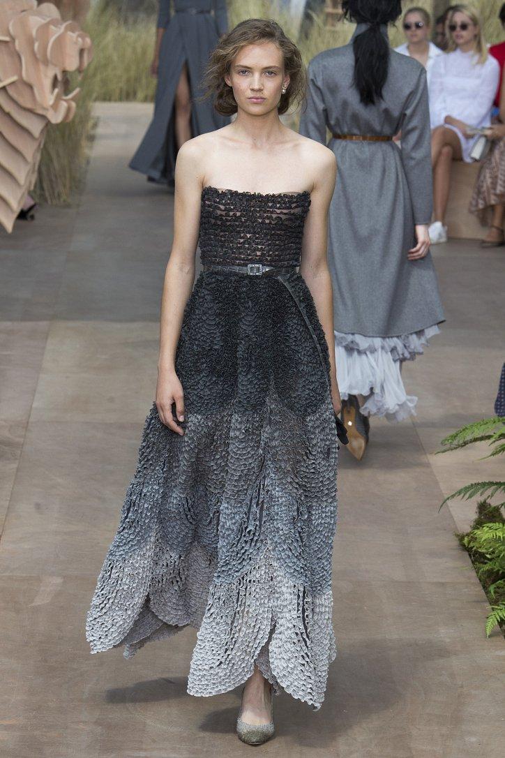 Коллекция Christian Dior Haute Couture осень-зима 2017-2018 фото №18