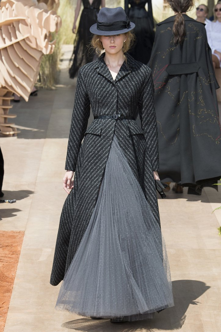 Коллекция Christian Dior Haute Couture осень-зима 2017-2018 фото №32
