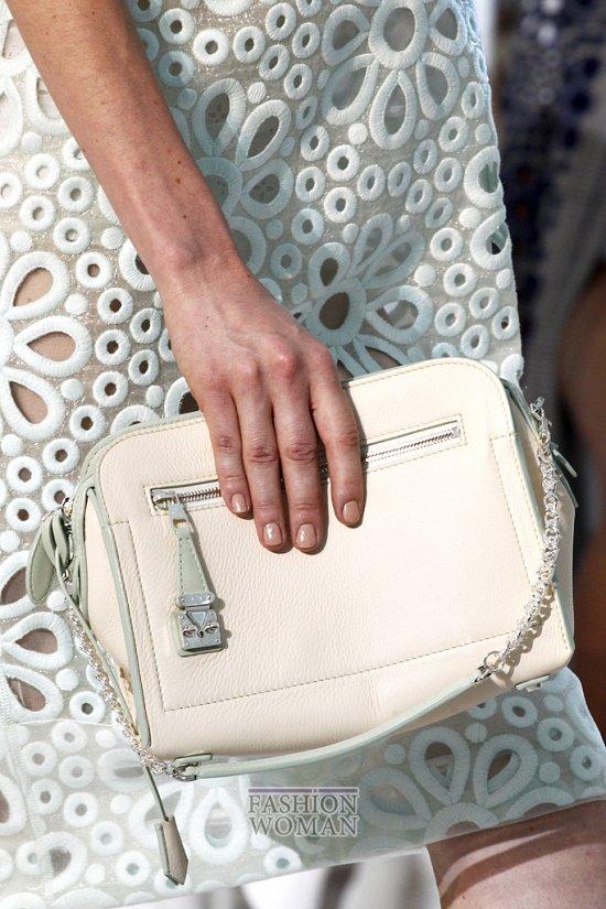Сумки и обувь из коллекции Louis Vuitton, осень