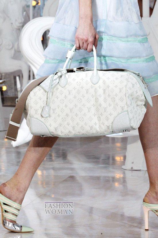 Коллекция сумок Louis Vuitton Весна-лето 2012 фото №30