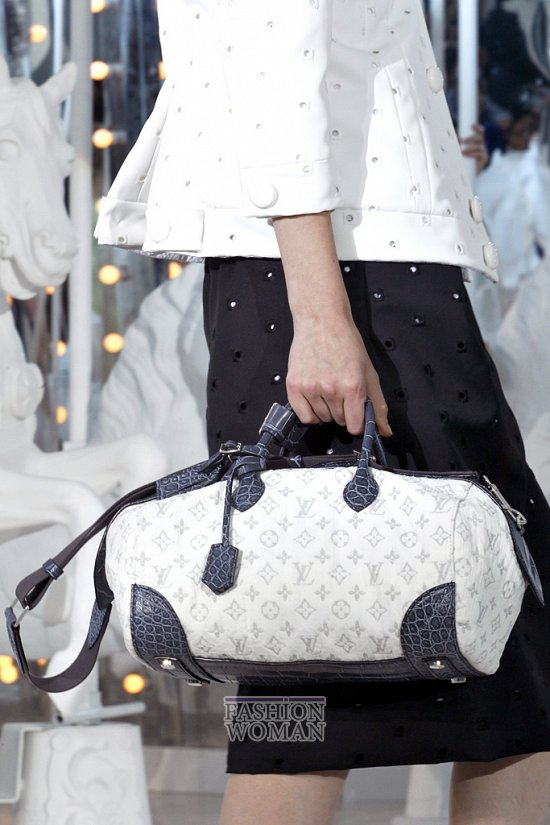 Коллекция сумок Louis Vuitton Весна-лето 2012 фото №32