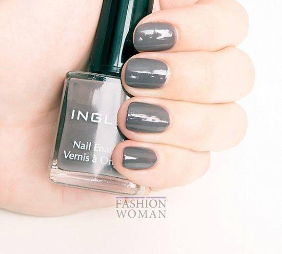 серый лак для ногтей