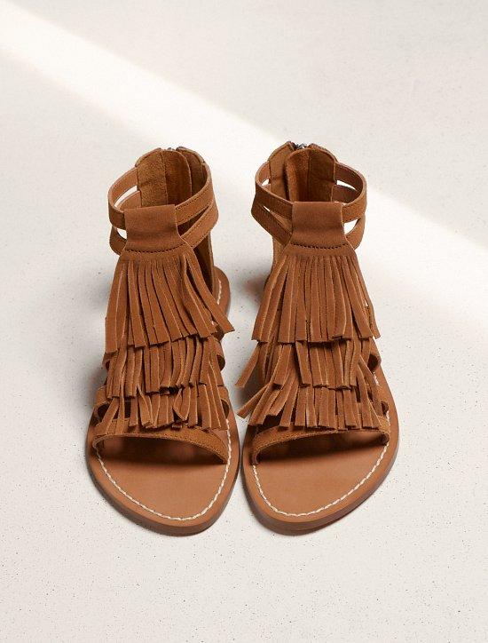 сандалии с бахромой