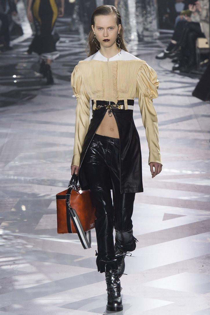 Louis Vuitton осень-зима 2016-2017 фото №33