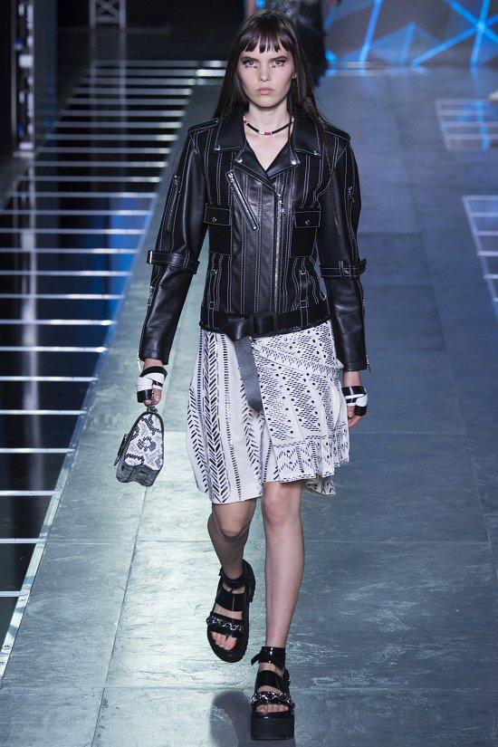 Louis Vuitton  весна-лето 2016 фото №2