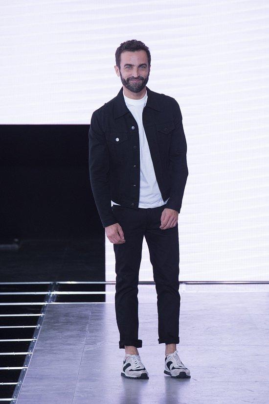 Louis Vuitton  весна-лето 2016 фото №50