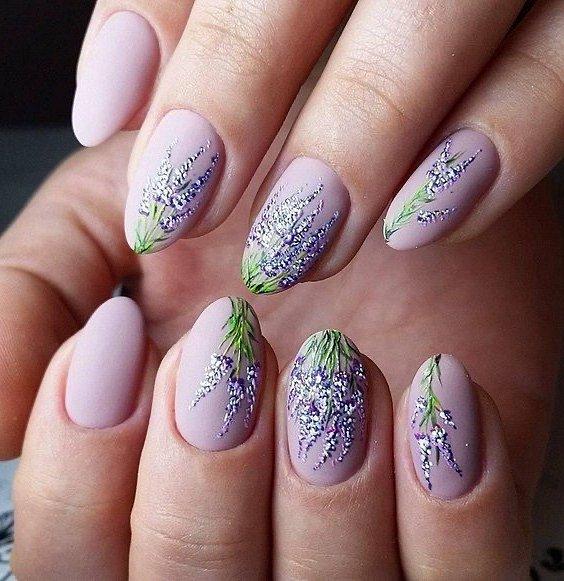 Maniküre mit Blumen: Ideen für Zeichnungen auf den Nägeln von Foto Nr. 8