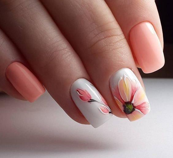 Maniküre mit Blumen: Ideen für Zeichnungen auf den Nägeln von Foto Nr. 17