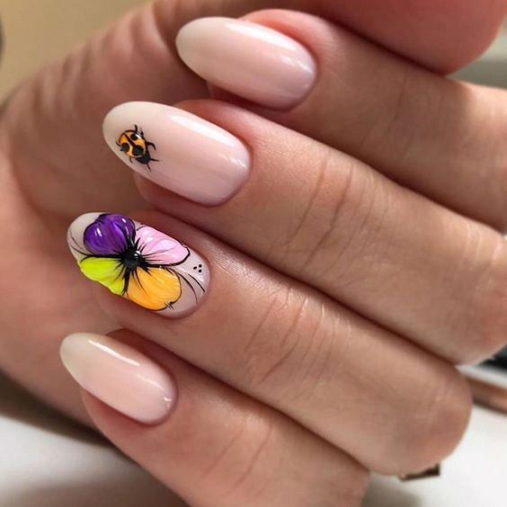 Maniküre mit Blumen: Ideen von Zeichnungen auf Nägeln Foto №19