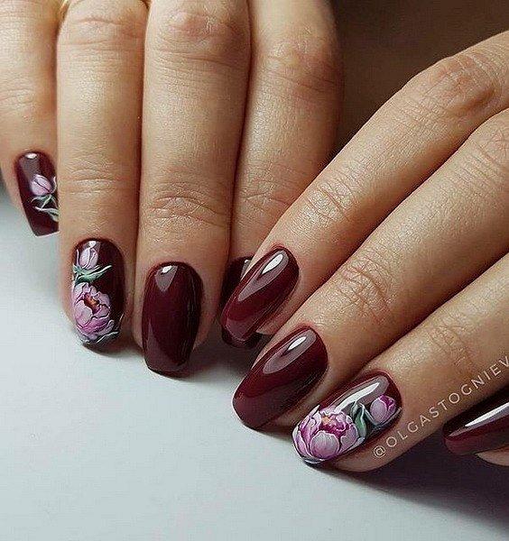 Maniküre mit Blumen: Ideen von Zeichnungen auf den Nägeln Foto №45