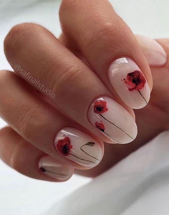 Маникюрс цветами: идеи рисунков на ногтях фото №78